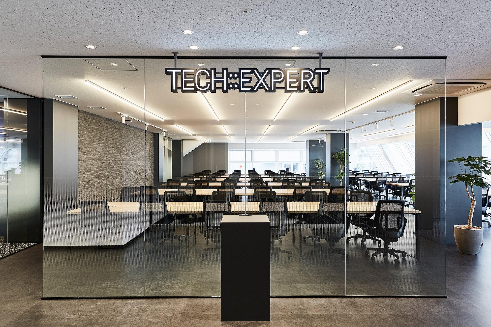 TECH::EXPERT 渋谷フレーム神南坂校 のサムネイル