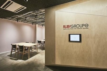 人と情報のクロスポイント(後編)――企業と共にアップロードしていくオフィス空間 のサムネイル